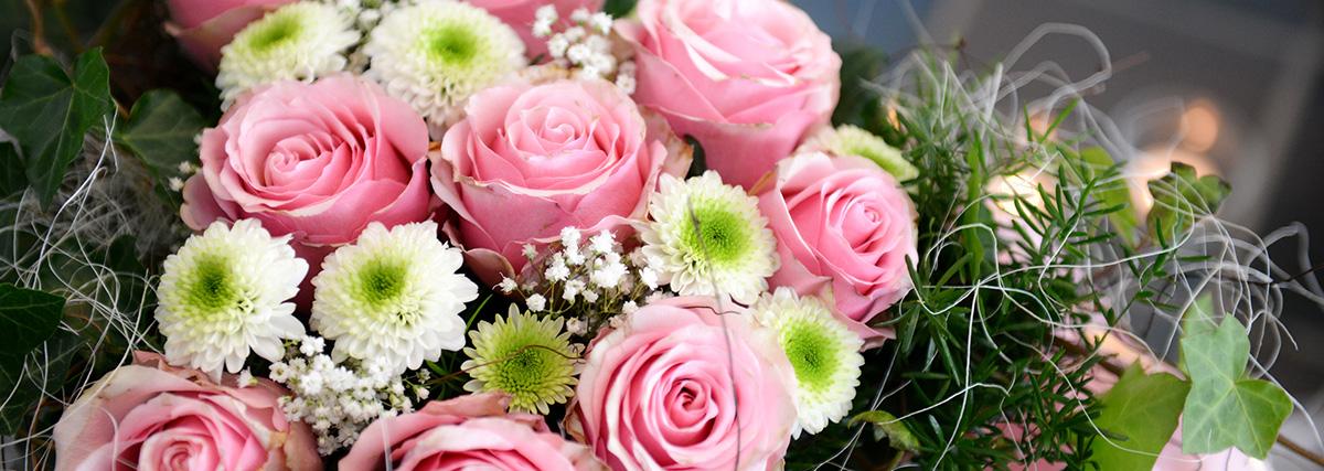 Blumen für Begräbnis - Schmidt Grabsteine - Bestattermeister Vohenstrauß Oberpfalz